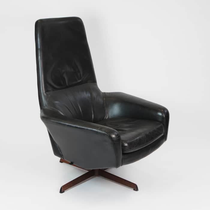 1970s Italian black leather chair