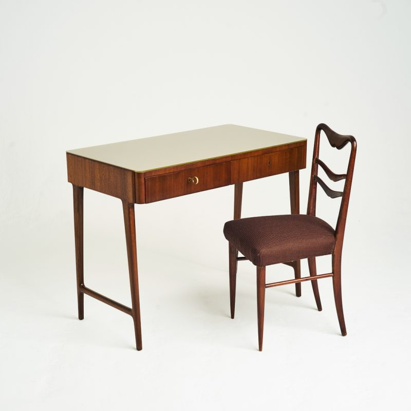 1960s Italian writing table with chair