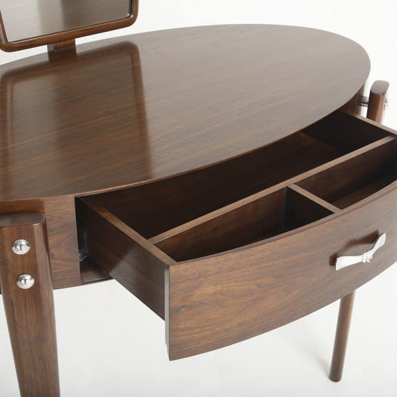 Daphne dressing table